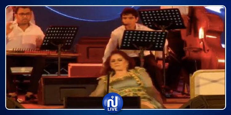 ميادة الحناوي تعلق على حادثة سقوطها من ركح مهرجان صفاقس (فيديو)