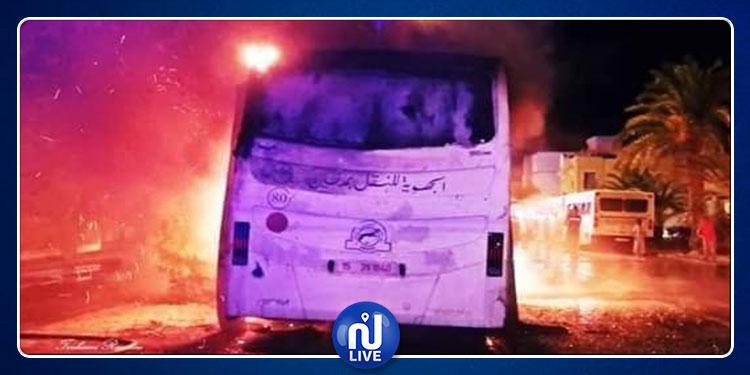 جربة : إحتراق حافلتين مزدوجتين تابعتين للشركة الجهوية للنقل بمدنين بالكامل