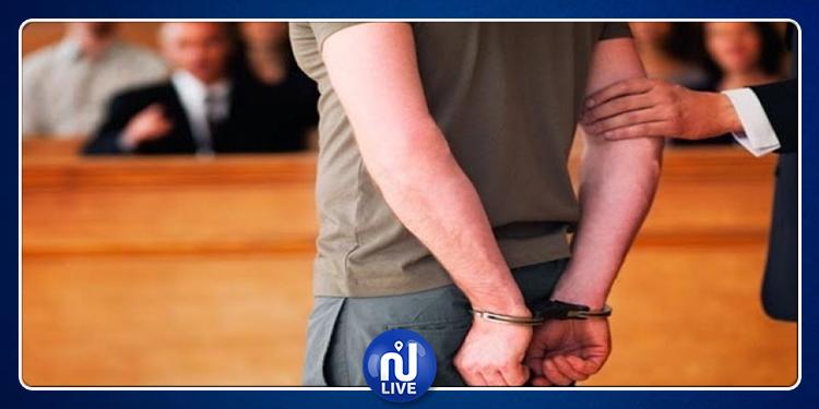 المهدية: فرّ من المحكمة اثر إعلامه باستصدار بطاقة إيداع بالسجنضده
