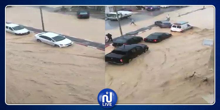 أريانة تغرق..  إنقطاع الطرقات جراء الأمطار و سيارات عالقة تتعرّض للسرقة !