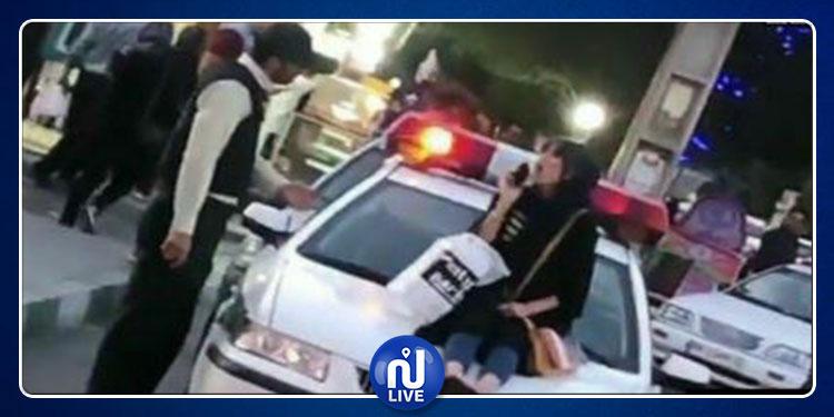 إيران: الحكم على طبيبة بالعمل سنة كاملة دون أجر بسبب خلعها الحجاب