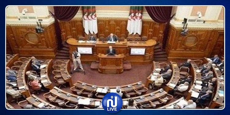 متّهم في قضايا فساد..نائب جزائري يهرب عبر الحدود مع تونس