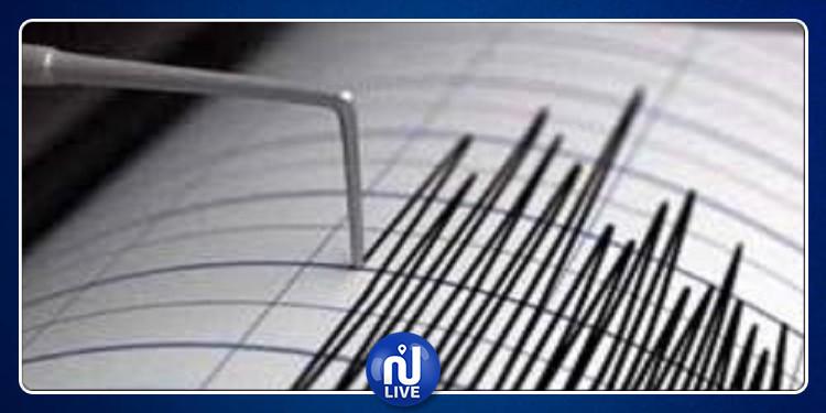 زلزال قوي يضرب غرب العاصمة الألبانية