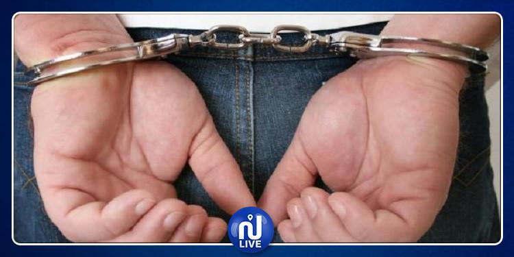 العمران: القبض على شخصين نفَذا براكاج على متن المترو الخفيف