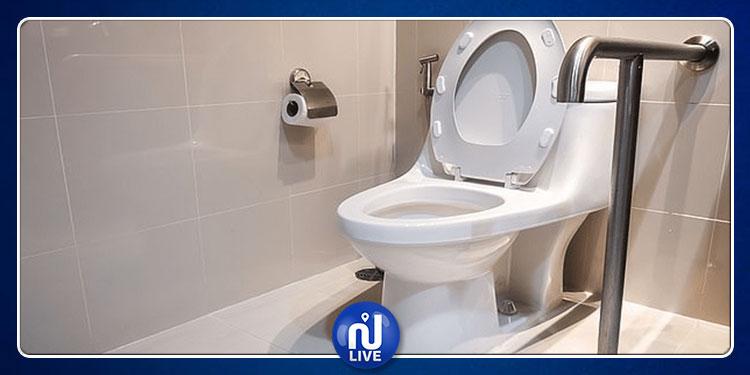 ''المرحاض'' يجبرطائرة على الهبوط اضطراريا