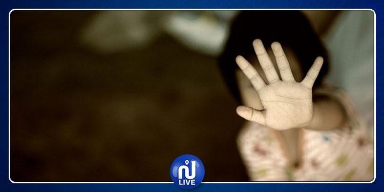 أطفال يحولون وجهة طفلة الـ 5 سنوات ويغتصبونها.. وزارة المرأة تتدخل