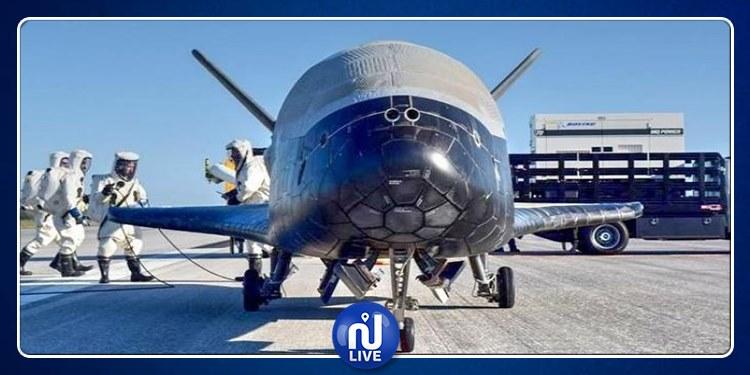 تدور في الفضاء منذ عامين : طائرة أمريكية سرية تهبط بسلام في فلوريدا