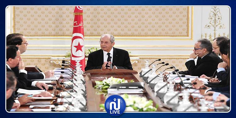 رئيس الجمهورية يدعو  الأحزاب والبرلمان المنتخب إلى الإسراع بتكوين حكومة جديدة