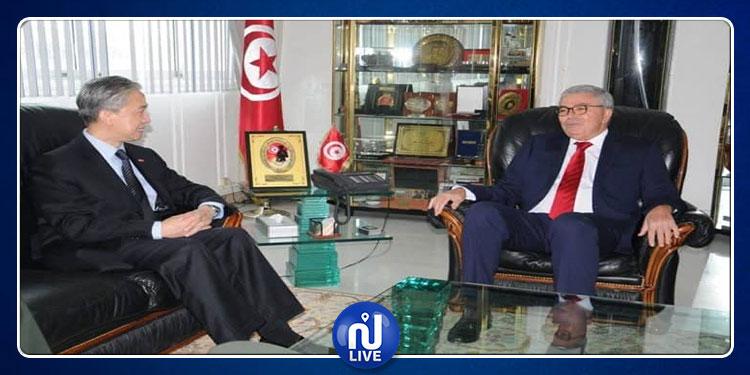 وزير الدفاع الوطني يستقبل سفير الصين بتونس