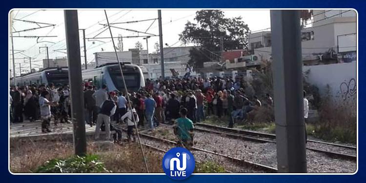 توقف القطارات على مستوى محطة رادس