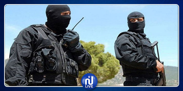 إيقاف 3 عناصر دعم للجماعات الإرهابية المتحصنة بمرتفعات القصرين
