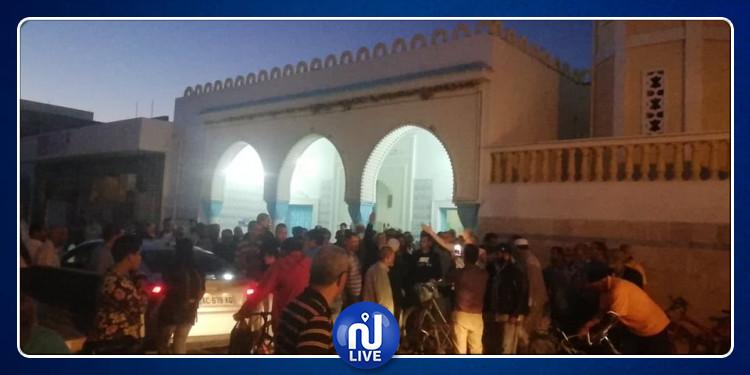 جندوبة : أئمة ومصلون يحتجون ضد قرارغلق المساجد إثر انتهاء الصلاة