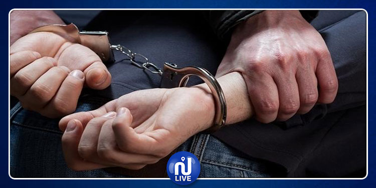 ابن خلدون: القبض على نشّال يهدّد ضحاياه بشفرة حلاقة