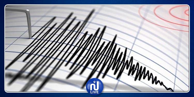 زلزال عنيف يضرب إيران