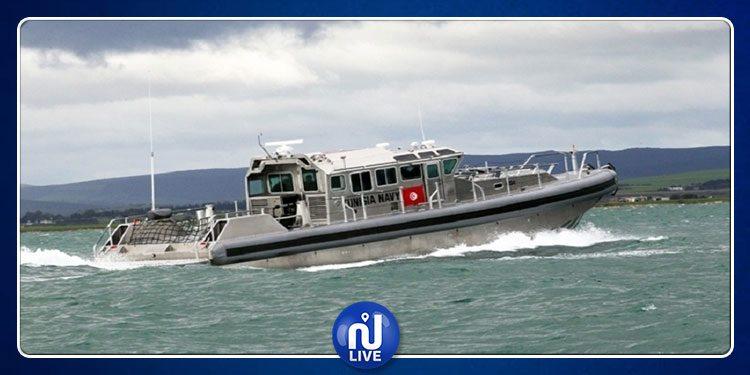 إنقاذ 4 تونسيين و36 افريقيا عرض سواحل قرقنة