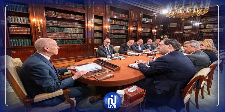 رئيس الجمهورية يعقد جلسة عمل مع ممثلي المجالس والهيئات القضائية
