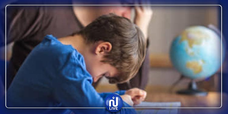 خطوات تساعدك على التعامل مع مشاعر طفلك السلبية