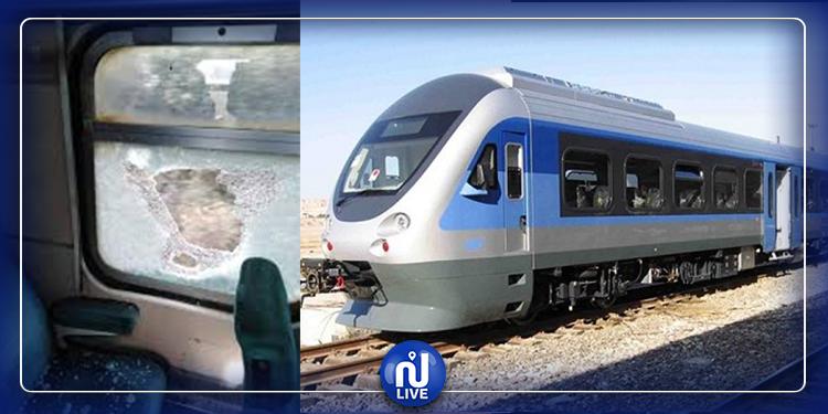 مجهولون يرشقون  قطار توزر بالحجارة وإصابة مساعد السائق