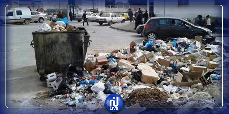 دعوة عمال النظافة  بتونس إلى استئناف نشاطهم