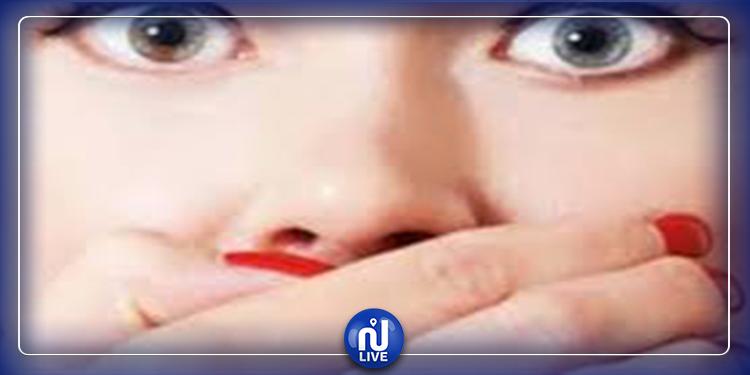 نمو ''رموش'' داخل  فم امرأة (صور)