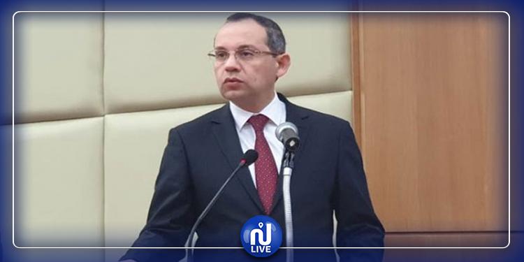 وزير الداخلية : الأمن بعيد عن الشأن السياسي