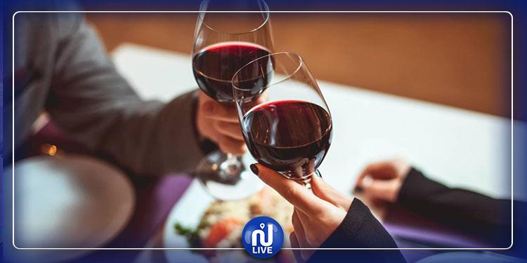 النبيذ الأحمر غني بالفيتامينات والعناصر المفيدة للجسم
