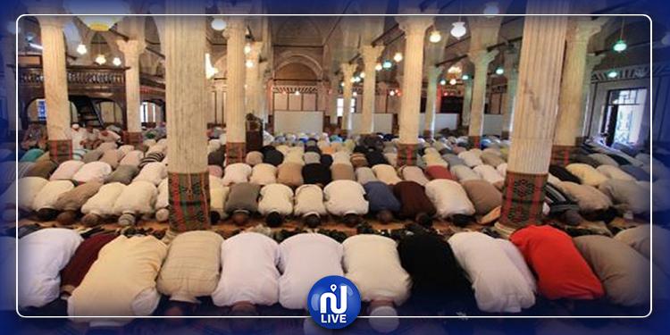 إنهاء مهام 3  إطارات مسجدية خالفوا قرار تعليق صلاة الجماعة