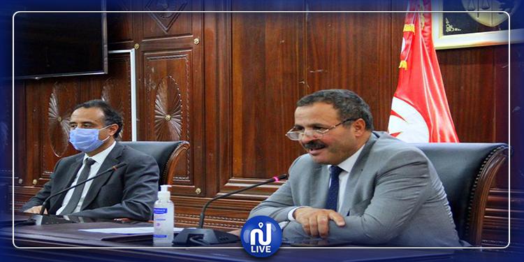 وزير الصحة يجتمع برؤساء الصحة الاستشفائيّة