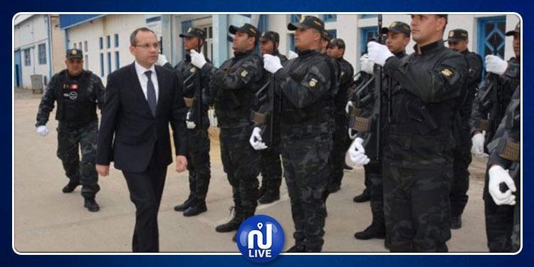 وزير الداخلية يكرّمأبطالالعملية الأمنية الإستباقية بجلمة