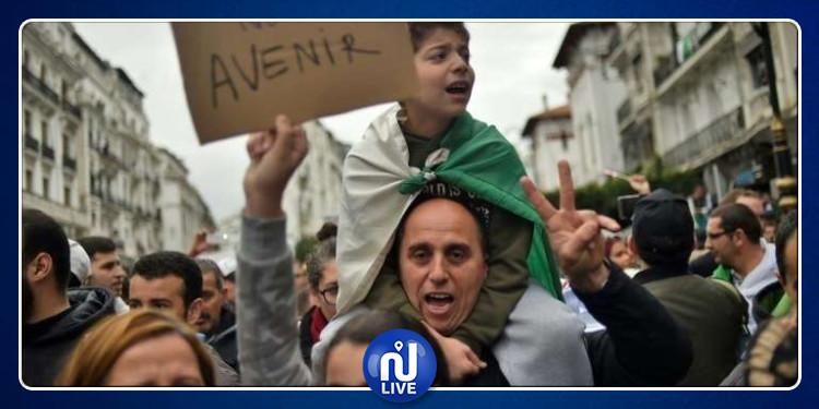 ''الجزائريون يواصلون احتجاجاتهم للمطالبة بالـ''تغيير الشامل