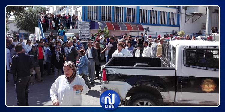 تعطّل الخدمات بمستشفى صالح عزيز إثر الاعتداء على عدد من العاملين به