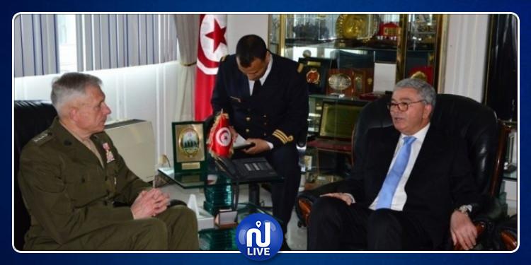 وزير الدفاع الوطني يلتقي آمر القيادة العسكرية الأمريكية لإفريقيا