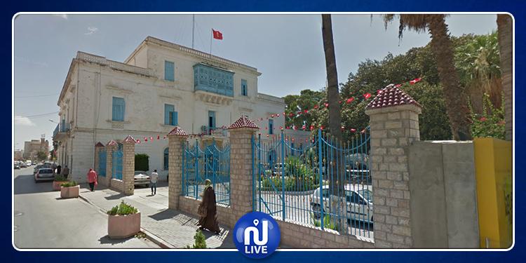 بلدية أريانة تطالب الأجهزة الأمنية بتطبيق القانون على المعتدين على مستشار بلدي