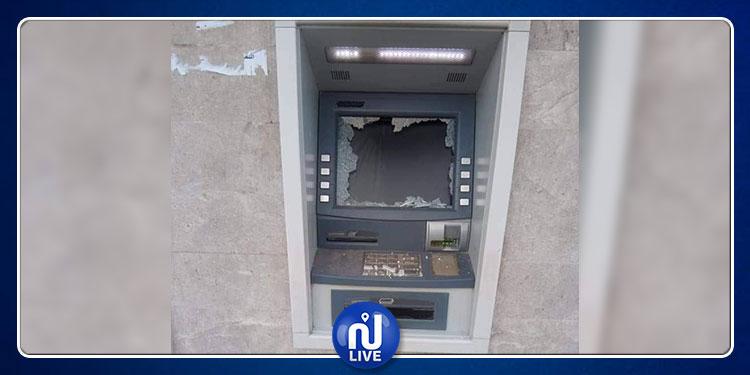 القصرين: تهشيم الموزعات الآلية لعدد من البنوك