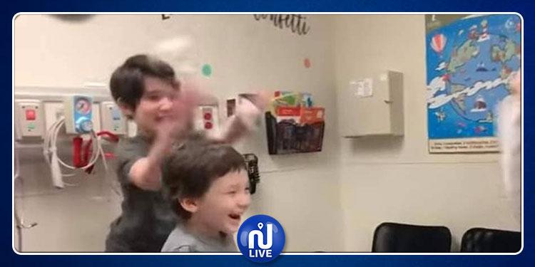 طفل الـ5 سنوات يحتفل بانتصاره على السرطان (فيديو)