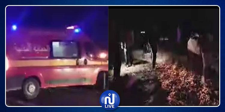 إصابة: 3 أشخاص في انقلاب شاحنة محملة بالفلفل