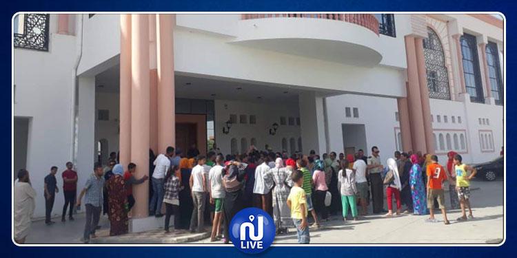 محاولة اقتحام مقر ولاية سيدي بوزيد بسبب العطش