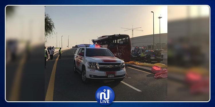 دبي: مصرع 17 شخصا إثر تعرض حافلة عُمانية لحادث سير
