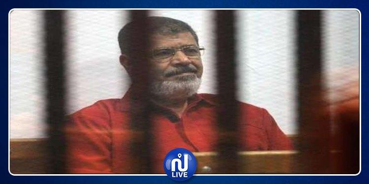 اللحظات الأخيرة في حياة محمد مرسي قبل سقوطه داخل القفص