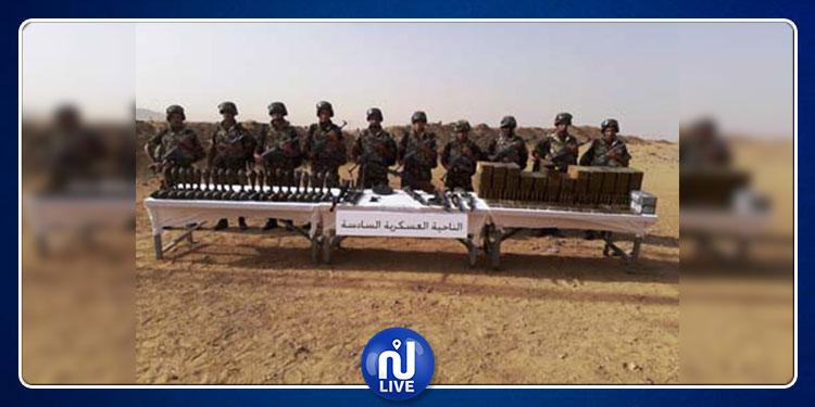الجيش الجزائري يكشف عن مخبأ للأسلحة والذخيرة