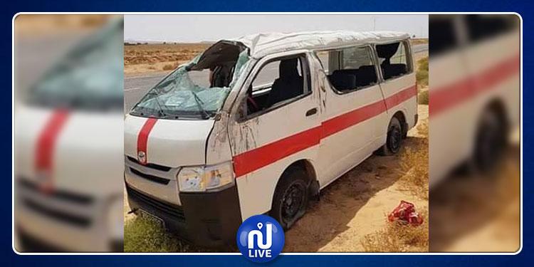 قابس: وفاة شخصين وإصابة 6 آخرين إثر إنقلاب سيارة أجرة