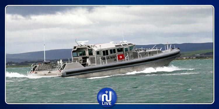 تفاصيل عملية إنقاذ 15 تونسيا من قبل وحدة بحرية تابعة لجيش البحر بسواحل جرجيس