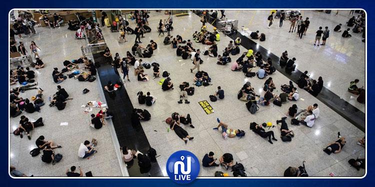 L'aéroport de Hong Kong bloqué