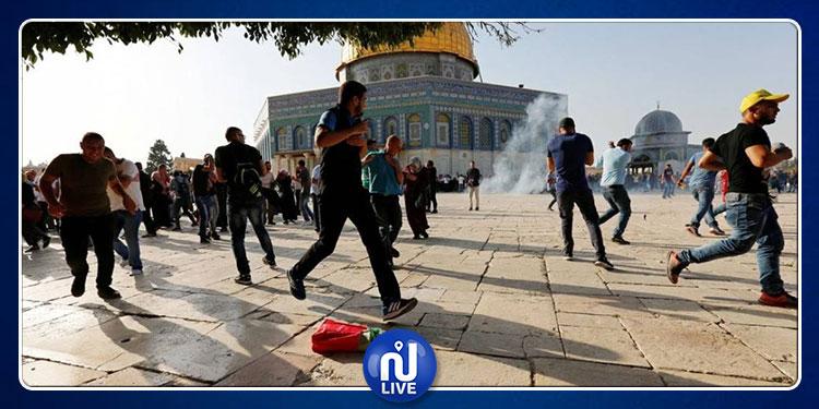 شرطة الاحتلال الصهيوني تسمح لـ 1729 مستوطنا باقتحام الأقصى