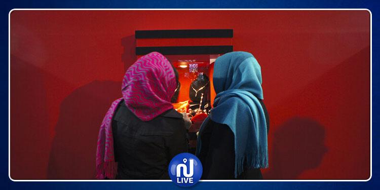 إيران: حكم قضائي بـ 1000 ساعة عمل إضافية و14 عملية مجانية لطبيبة خلعت حجابها!
