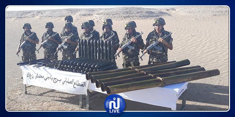 أنابيب إطلاق صواريخ وقذائف هاون...الجيش الجزائري يضبط ترسانة أسلحة بمخبأ للإرهابيين
