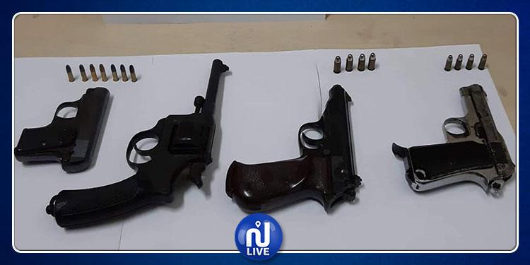 ميناء بنزرت: حجز 4 مسدسات وخراطيش مخبأة داخل يخت فرنسي (صور)