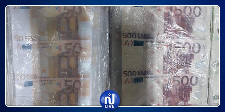 العاصمة: تفكيك عصابة وحجز أكثر من مليار ونصف من العملة المزيفة! (صور)