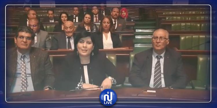 كتلة الدستوري الحر تعتصم في البرلمان(فيديو)