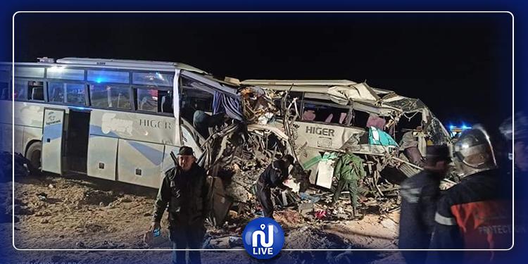 فاجعة في الجزائر: 12 قتيلا  و46 جريحا في اصطدام بين حافلتين (صور+فيديو)